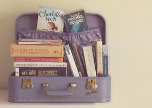 Mala de livros / Imagens Fofas para Tumblr, We Heart it, etc