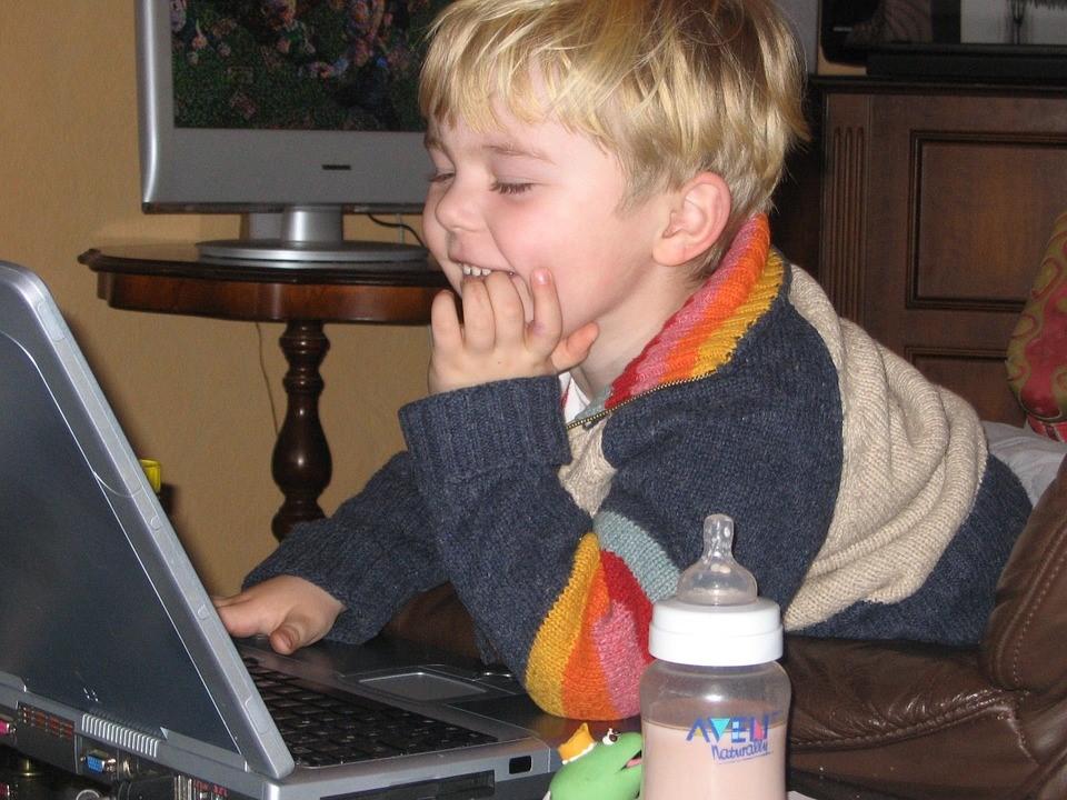Internet segura para crianças é possível?